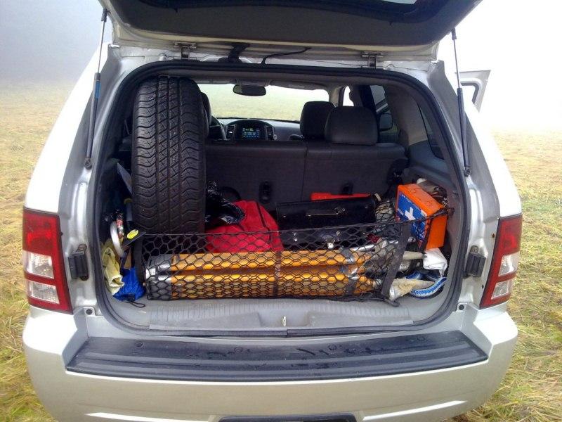 test jeep grand cherokee laredo 3 7 v6 155 kw autorubik. Black Bedroom Furniture Sets. Home Design Ideas