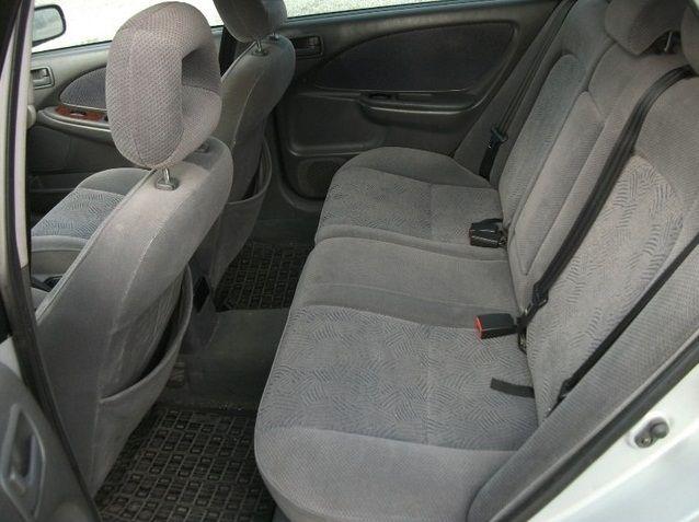 Toyota Avensis I (1997-2003) - recenzia a skúsenosti - Autorubik d6ddb75d643
