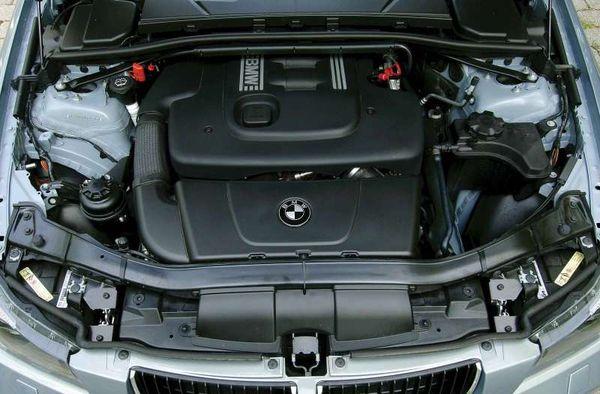 BMW-320d_2006