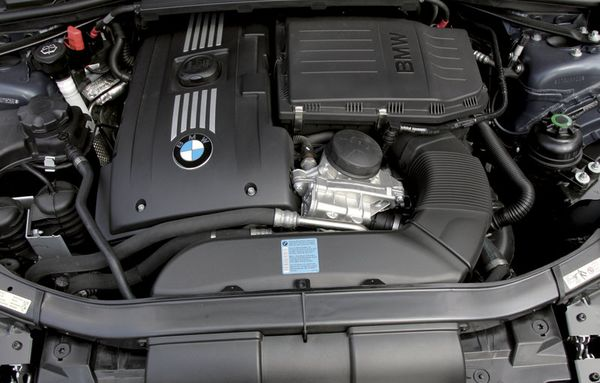 BMW-335i_2007