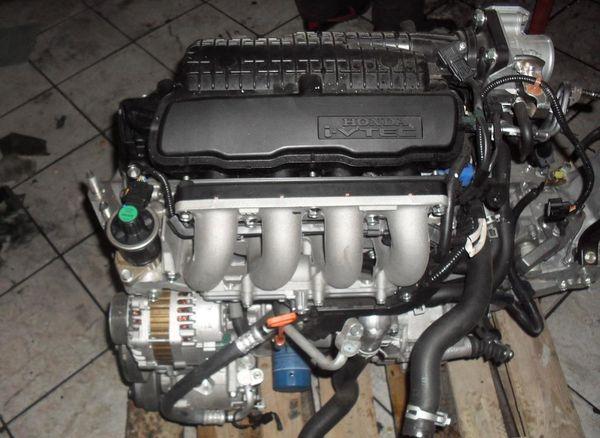 Honda-Civic-8-L13Z1