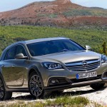 Opel_Insignia_Country_Tourer_2014_01