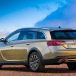 Opel_Insignia_Country_Tourer_2014_02