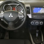 Mitsubishi_Outlander_06