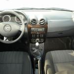 Dacia-Duster-2010-interier