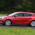 Opel_Astra_2010_06