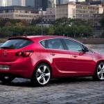 Opel_Astra_2010_07