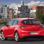 Opel_Astra_2010_08
