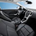 Opel_Astra_GTC_2012_10