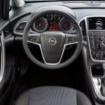 Opel_Astra_sedan_2013_05