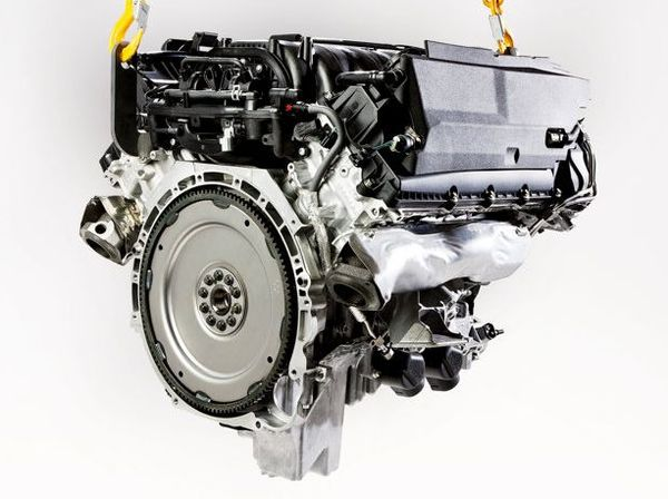 Land_Rover_Discovery_4_2010_motor