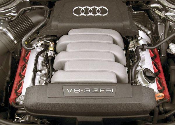 Audi-A8_3.2_FSI_quattro_2005