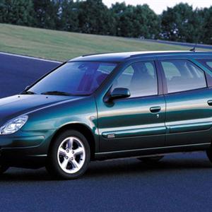 Citroen-Xsara-Break-2002.jpg