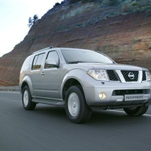 Nissan_Pathfinder_R51_2005_02.jpg