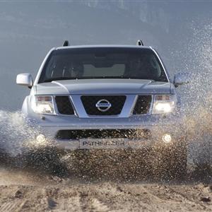 Nissan_Pathfinder_R51_2005_08.jpg