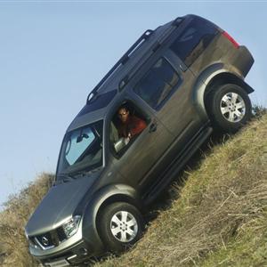 Nissan_Pathfinder_R51_2005_09.jpg