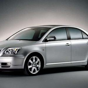 Toyota-Avensis_2003.jpg