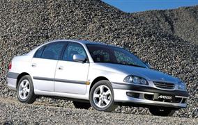Toyota Avensis I (1997-2003) – recenzia a skúsenosti