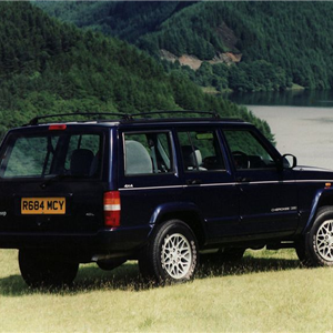 Jeep_Cherokee_1997_3.jpg