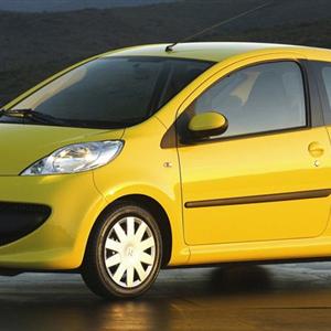 Peugeot-107_2005.jpg
