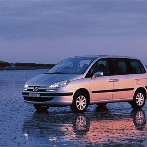 Peugeot-807.jpg