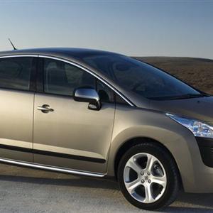 Peugeot-3008_2010.jpg