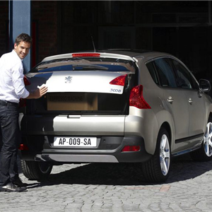 Peugeot_3008_2010_07.jpg