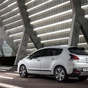 Peugeot_3008_2014_03.jpg
