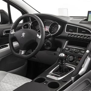 Peugeot_3008_2014_04.jpg