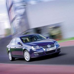 Volkswagen_Jetta_2006_01.jpg