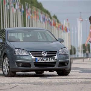Volkswagen_Jetta_2006_05.jpg