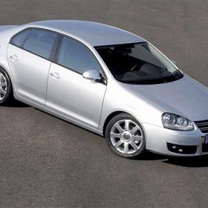Volkswagen_Jetta_2006_06.jpg