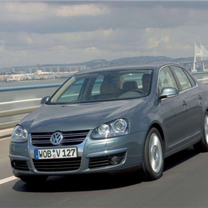 Volkswagen_Jetta_2006_07.jpg