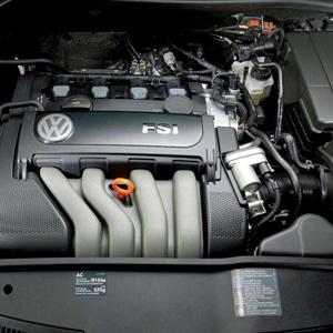 Volkswagen_Jetta_2006_21.jpg