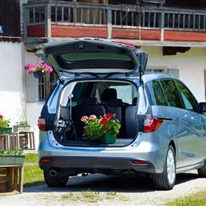 Mazda_5_2011_10.jpg