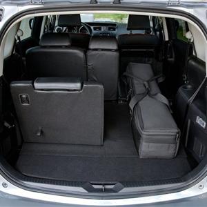 Mazda_5_2011_16.jpg
