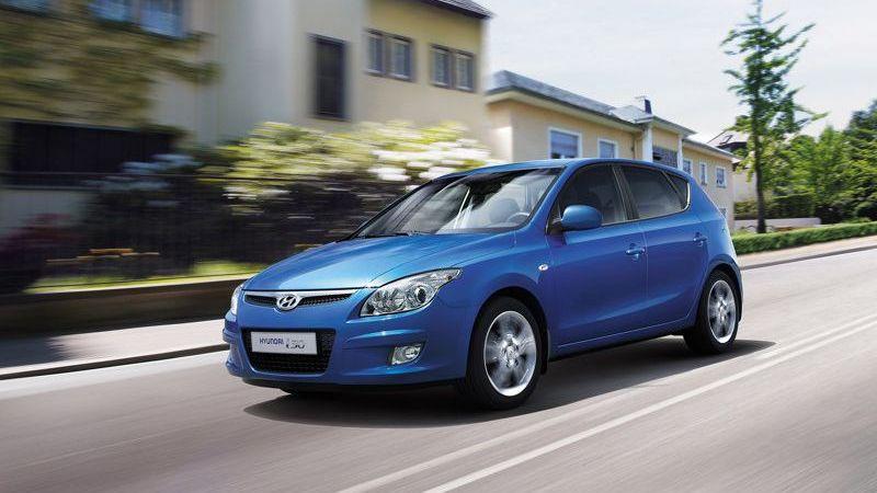 Hyundai i30 je technickým príbuzným Kie Ceed a prvým vozidlom Hyundai 6b314e97870
