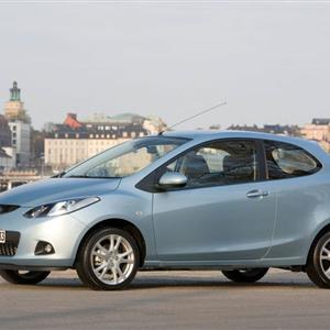 Mazda_2_3D_2009_03.jpg