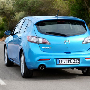Mazda_3_2010_11.jpg