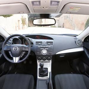 Mazda_3_2010_18.jpg